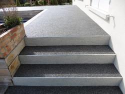 Escalier gris foncé