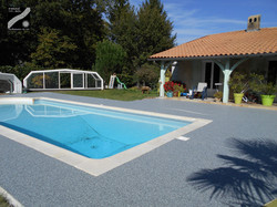 Plage de piscine,terrasse à Boulazac