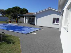 Tour de piscine à Arbanats