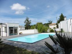 Tour de piscine à Pessac