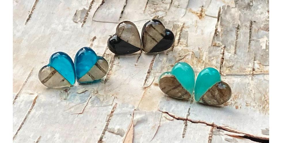 Boucles d'oreilles en résine & écorce de bouleau « ti-cœur »