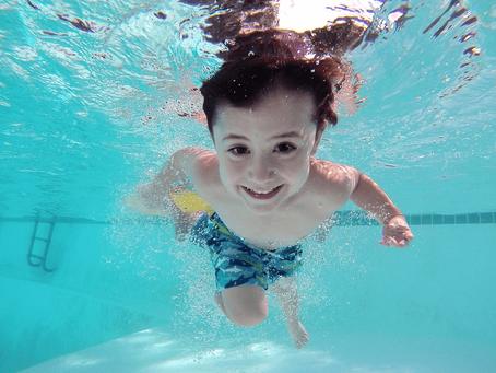 Conférence gratuite   Comment préparer mon enfant à la saison de la baignade à la maison ?