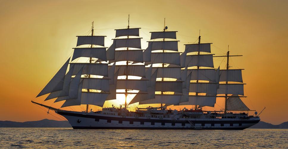 Royal_Clipper_sunset.jpg