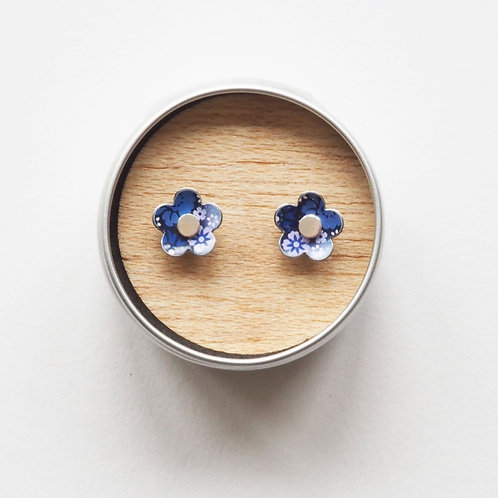 Kate Hamilton-Hunter Forget Me Not Heart Studs
