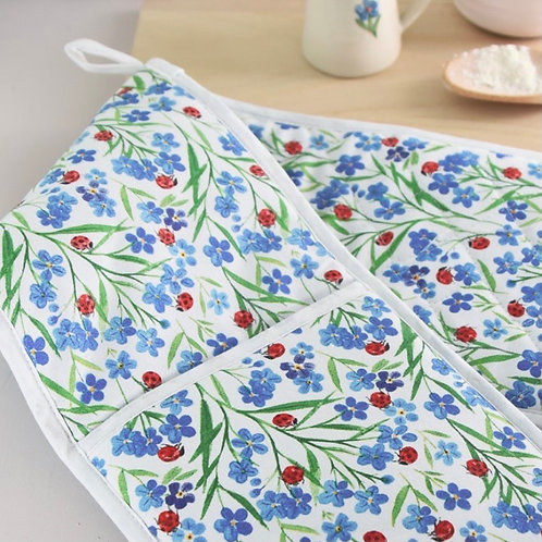 Gisela Graham Forget Me Not Lady Bird Oven Gloves