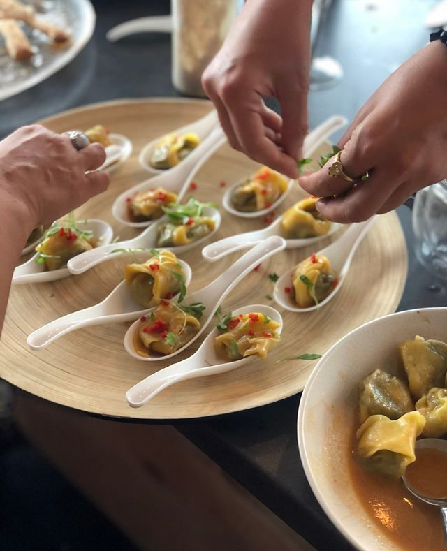 Canapeés and finger food
