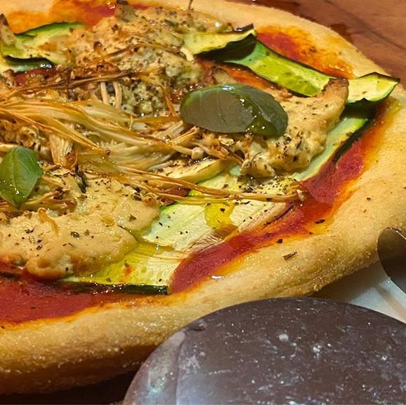 Pizza night last night😋  Grilled zucchi