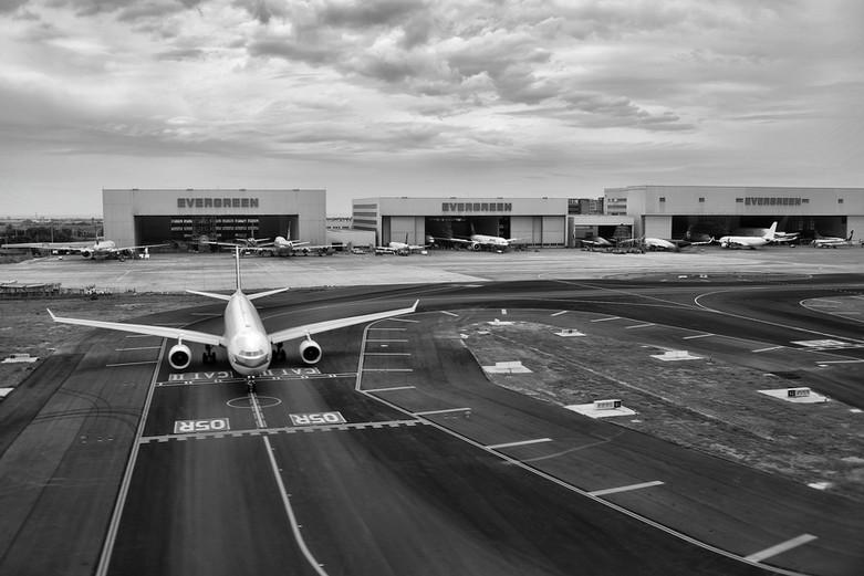 aircraft-airplane-airport-157058.jpg