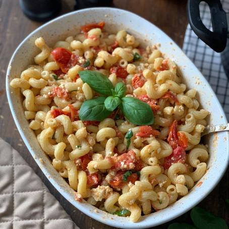 Baked Feta Pasta with Basil & Tomatoes