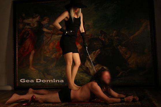 con slave 2.jpg