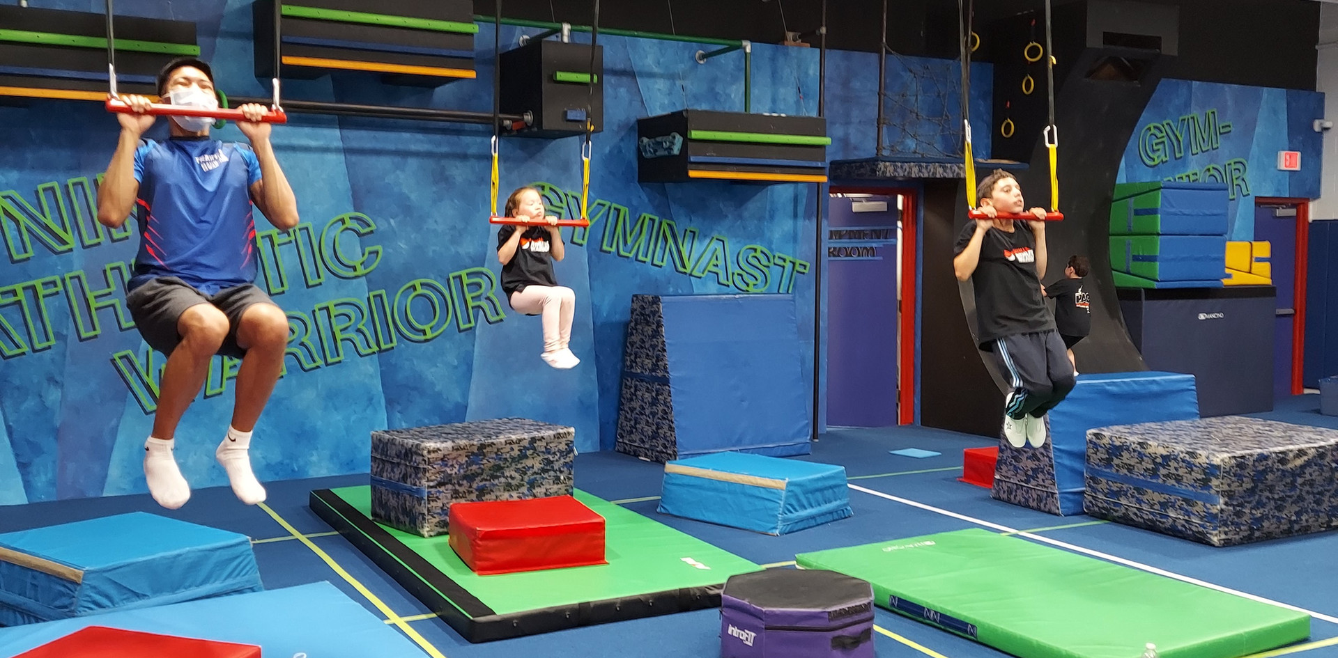 Ninja Warrior Trapeze Stations