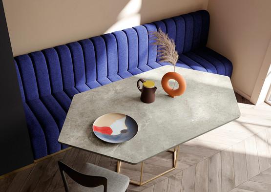 שולחן קטן ספיינסטון