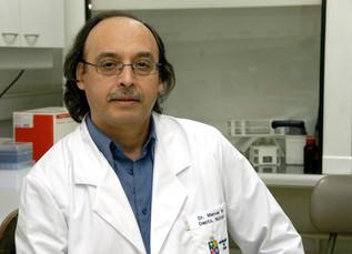 Prof. Manuel Ruz es distinguido por sus aportes en investigacion por parte de altas autoridades de l
