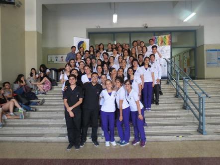 Equipo docente y estudiantes pertenecientes al curso de Bromatología de la carrera de Nutrición y Dietética