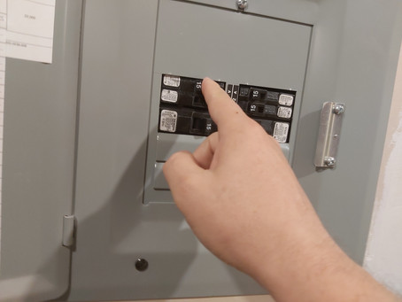 How Do You Know If a  Breaker Needs to be Replaced