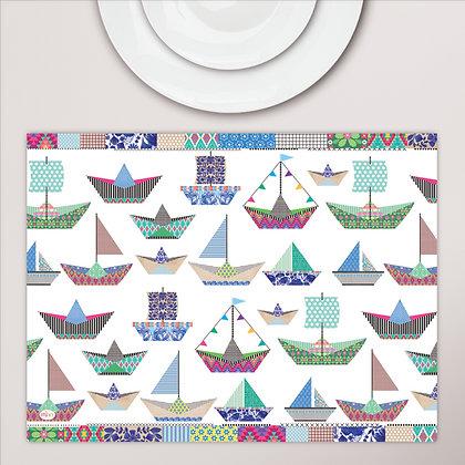 פלייסמט מפיויסי ילדים- דגם סירות נייר