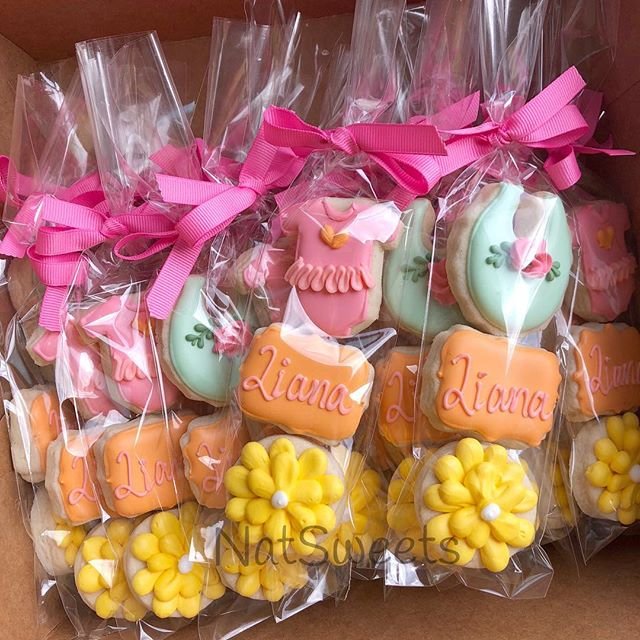 Mini favors for a baby Sip&See. 💕_._._.