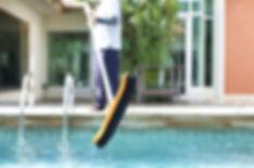 calcium-scale-pool.jpg