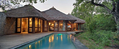 tengile_river_lodge_boma_outdoor_dining