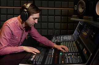 mastering-engineer.jpg