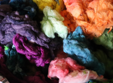 Dyeing wool
