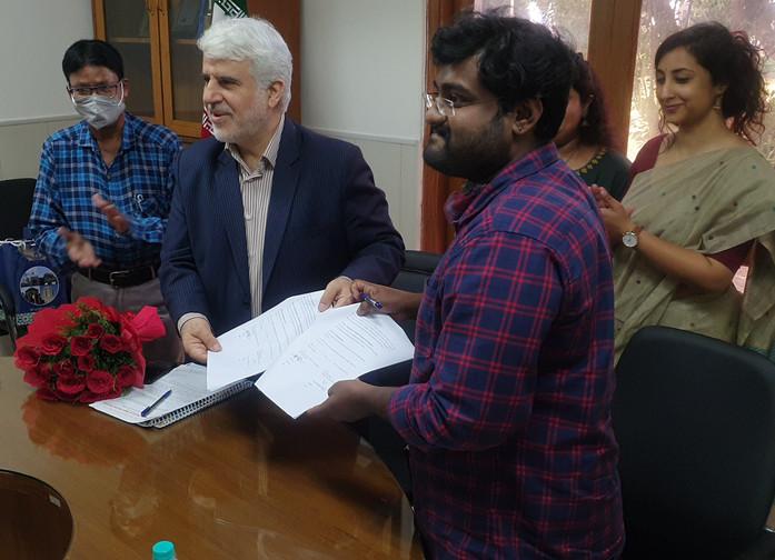 Dr Mohd. Ali Rabbani, Cultural Counsellor, ICH and Mr. Ashu J, President, ASSSR – Displaying Signed Memorandum of Understanding