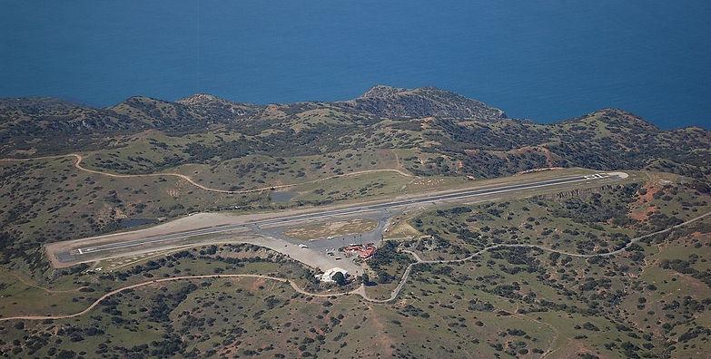 1200px-Catalina_Airport_Aerial.jpg
