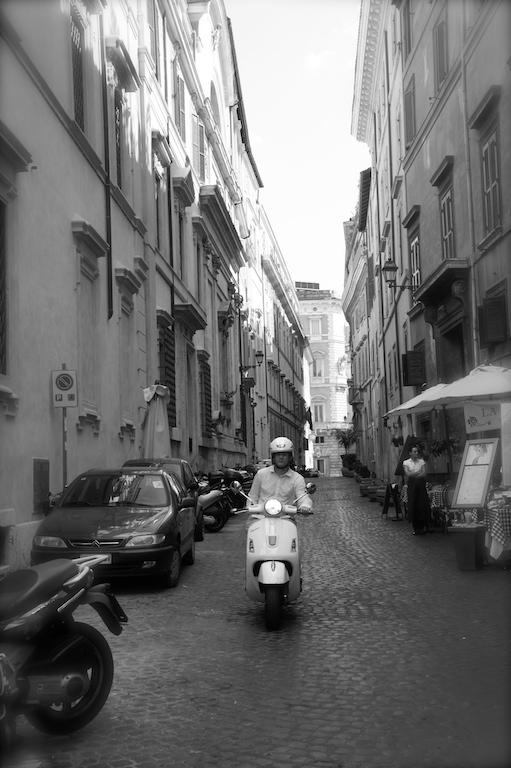 Vespa à Rome