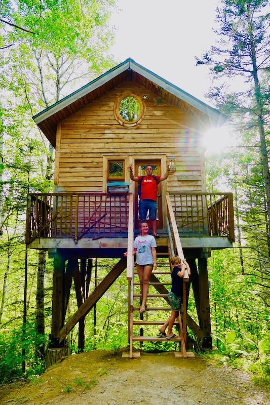 Cabane perchée au Canada : Canopé Lit