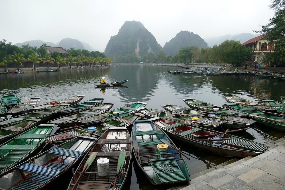 Balade en barque à Tam Coc