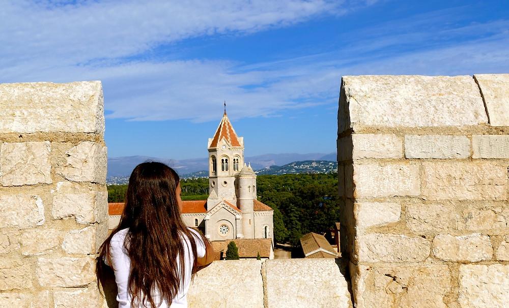 Vue du monastère fortifié de l'île Saint-Honorat