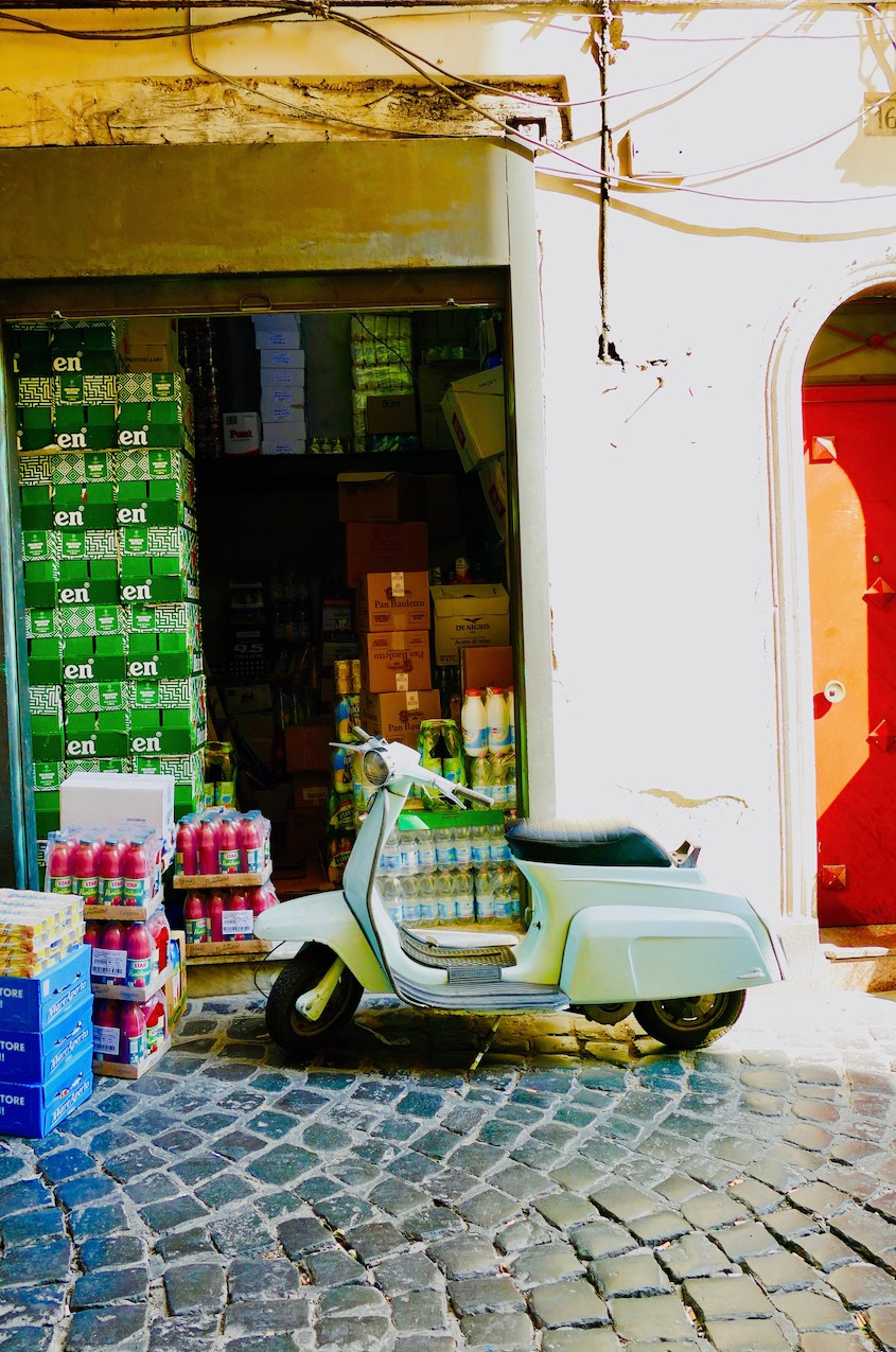 Vespa à Naples