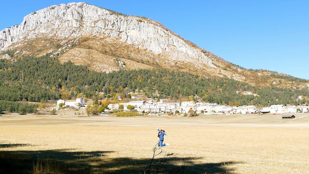 Le village de Caille dans les Alpes-Maritimes
