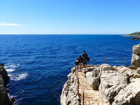 Le Cap d'Antibes et la baie des milliardaires