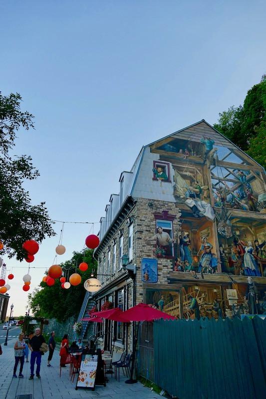 fresque quartier du petit champlain