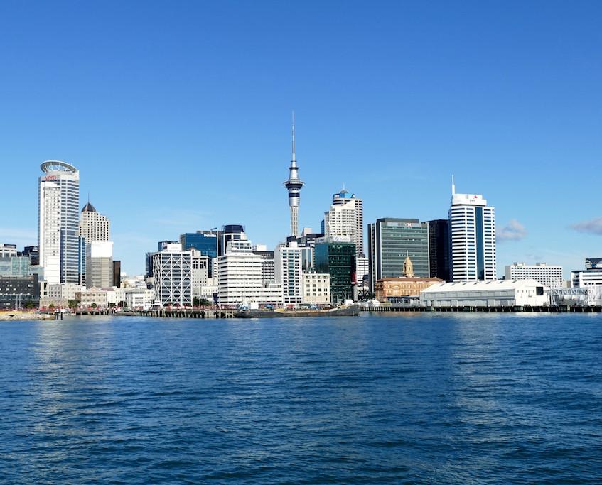 Vue d'Auckland depuis le bateau