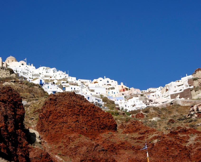 Vue d'Oia du port d'Amoudi