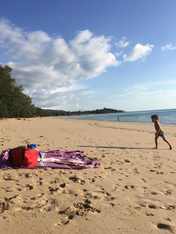 La plage déserte de Koh Lanta