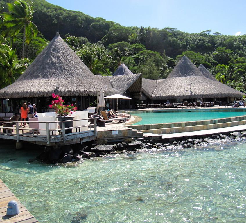La piscine du Sofitel de Bora Bora