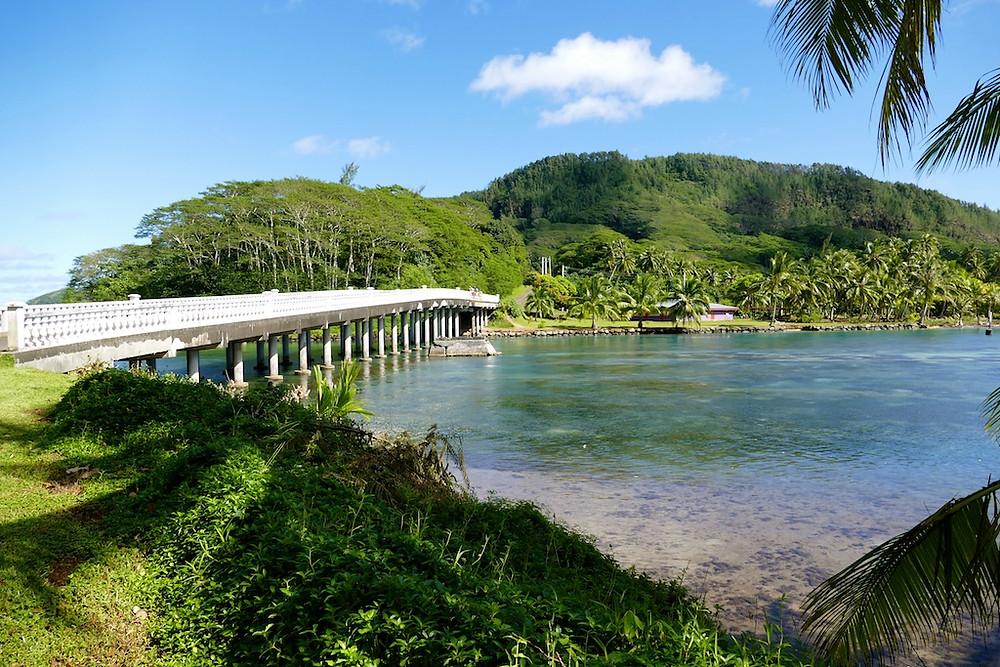 Pont qui relie les 2 iles de Huahine
