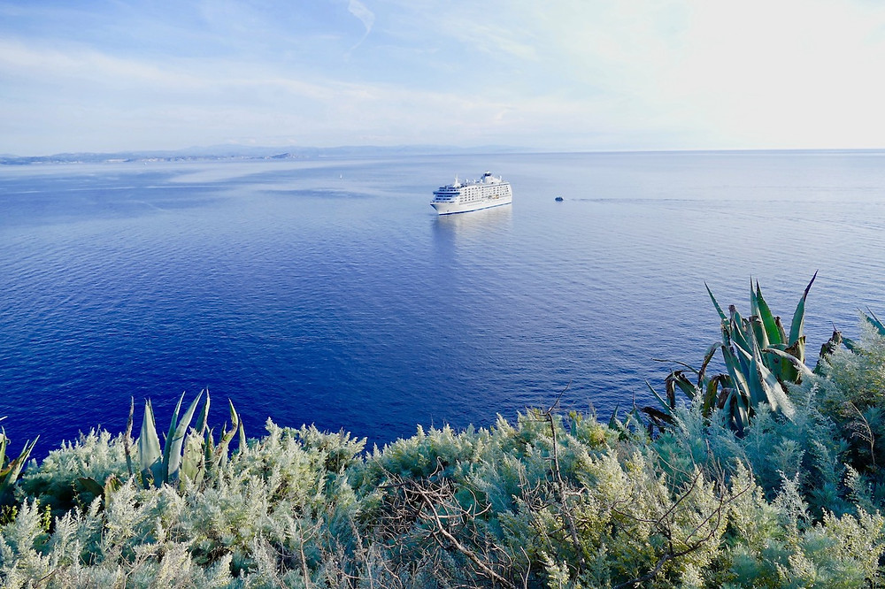 Vue panoramique sur la mer depuis Bonifacio