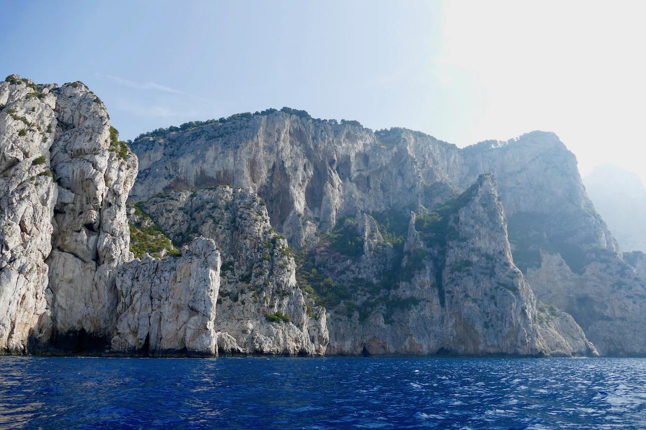 Les falaises calcaires de Capri