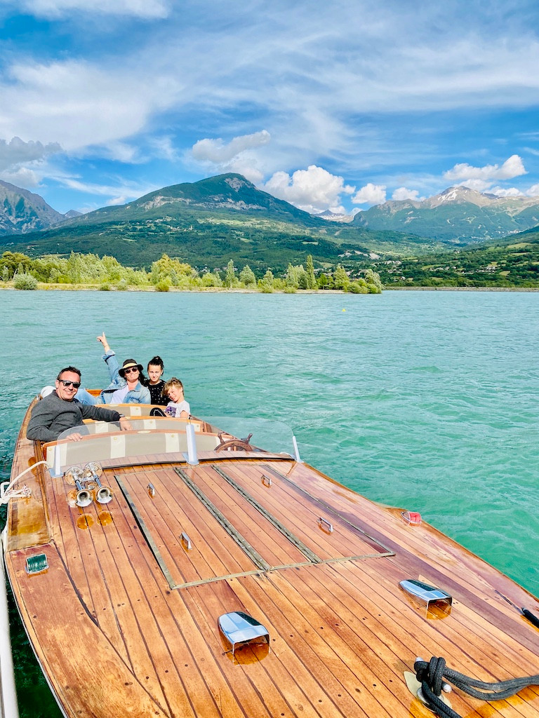 Outemotion : visite du lac de Serre-Ponçon