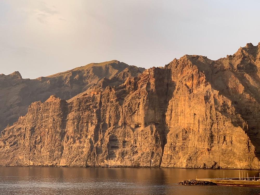 Panorama splendide sur l'Atlantique et les falaises de Los Gigantes