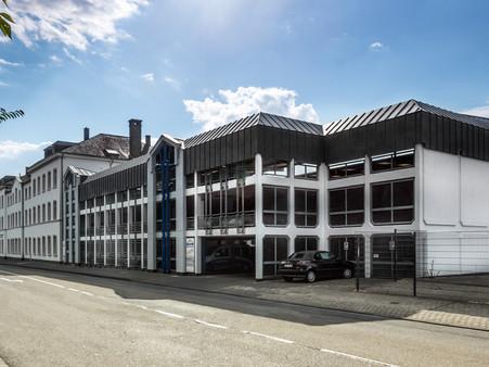 BuM_VR_Bank_Parkhaus_Gebäude.jpg