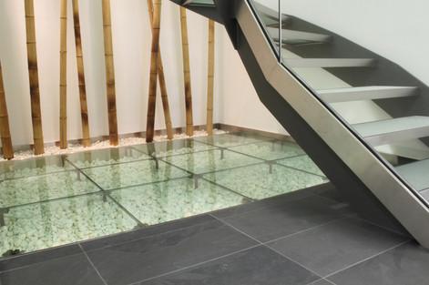 BuM Bohr und Adler Treppe Detail.jpg
