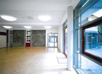 BuM Pfarr-u.Gemhaus Feldk. Innen 3.jpg