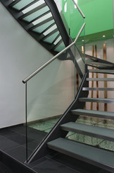 BuM Bohr und Adler Treppenaufgang.jpg