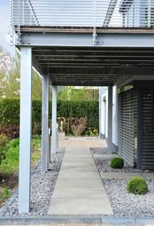BuM EFH Terrasse Garten Seite 1.jpg