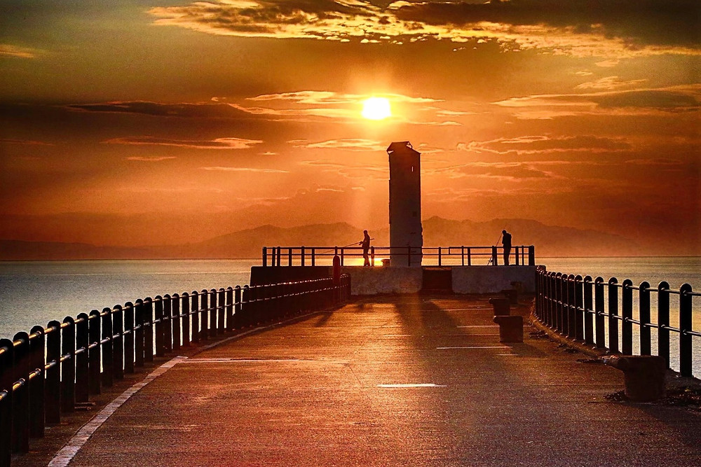 This was from tonight's sunset of Ayr Harbour lighthouse from Brian Kyles.